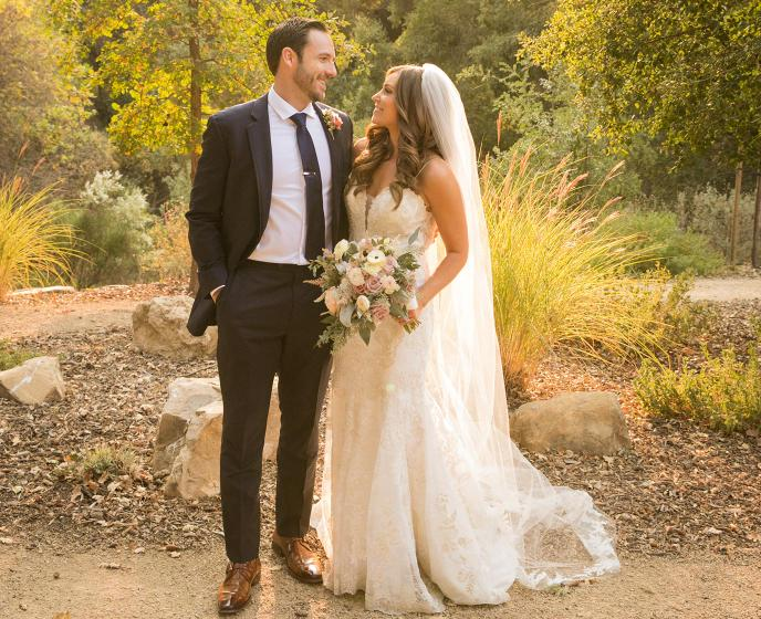 Valerie + Chad: A Warm and Joyous Fall Wedding